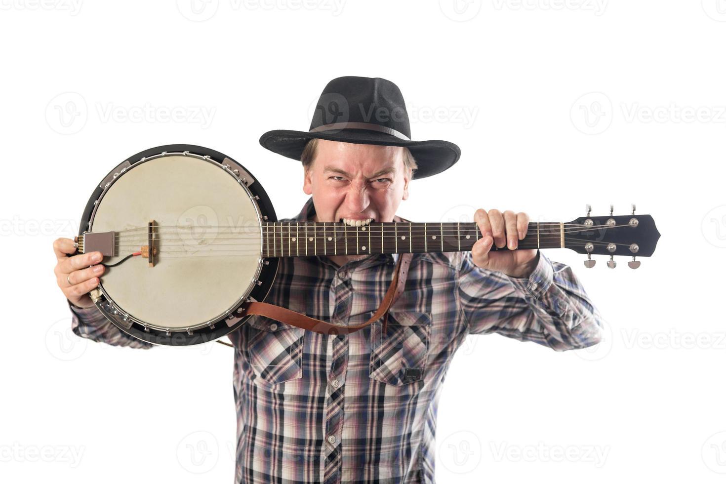 homem alegre com um banjo foto