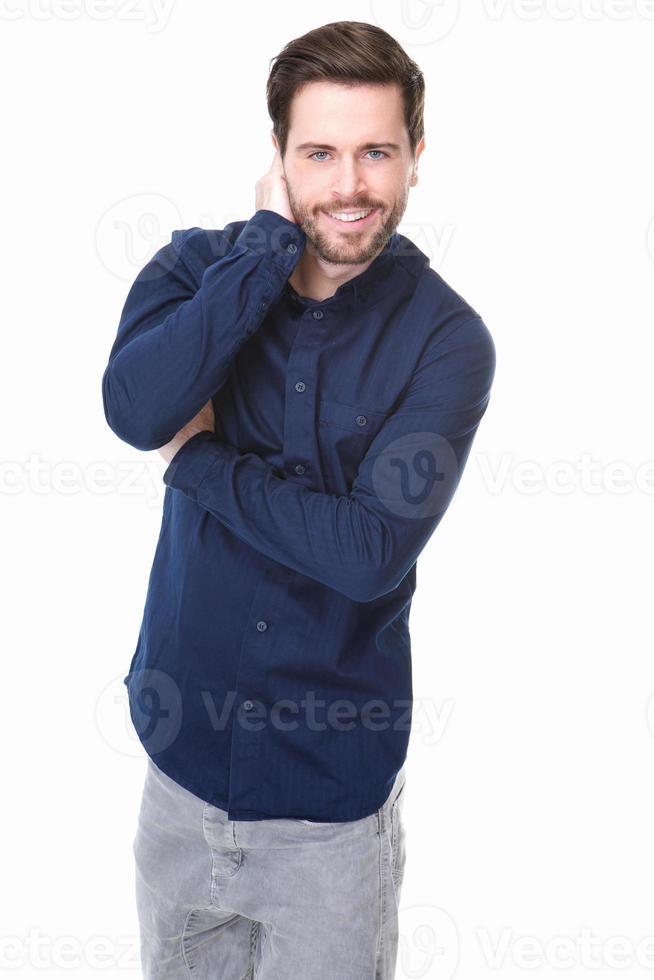 jovem alegre com barba sorrindo foto