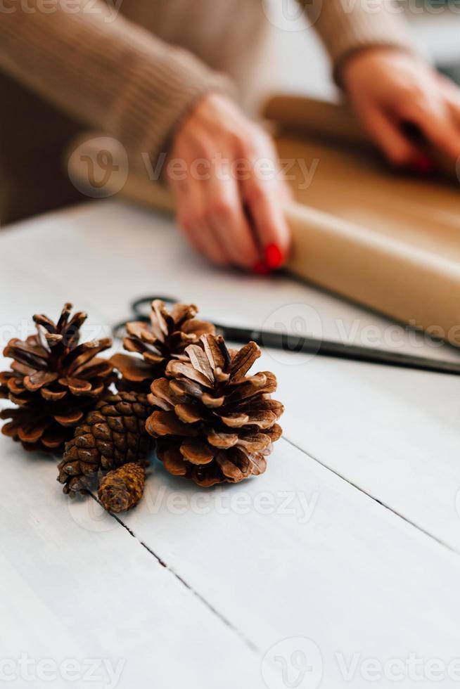 cones para presentes de decoração com espaço de cópia foto