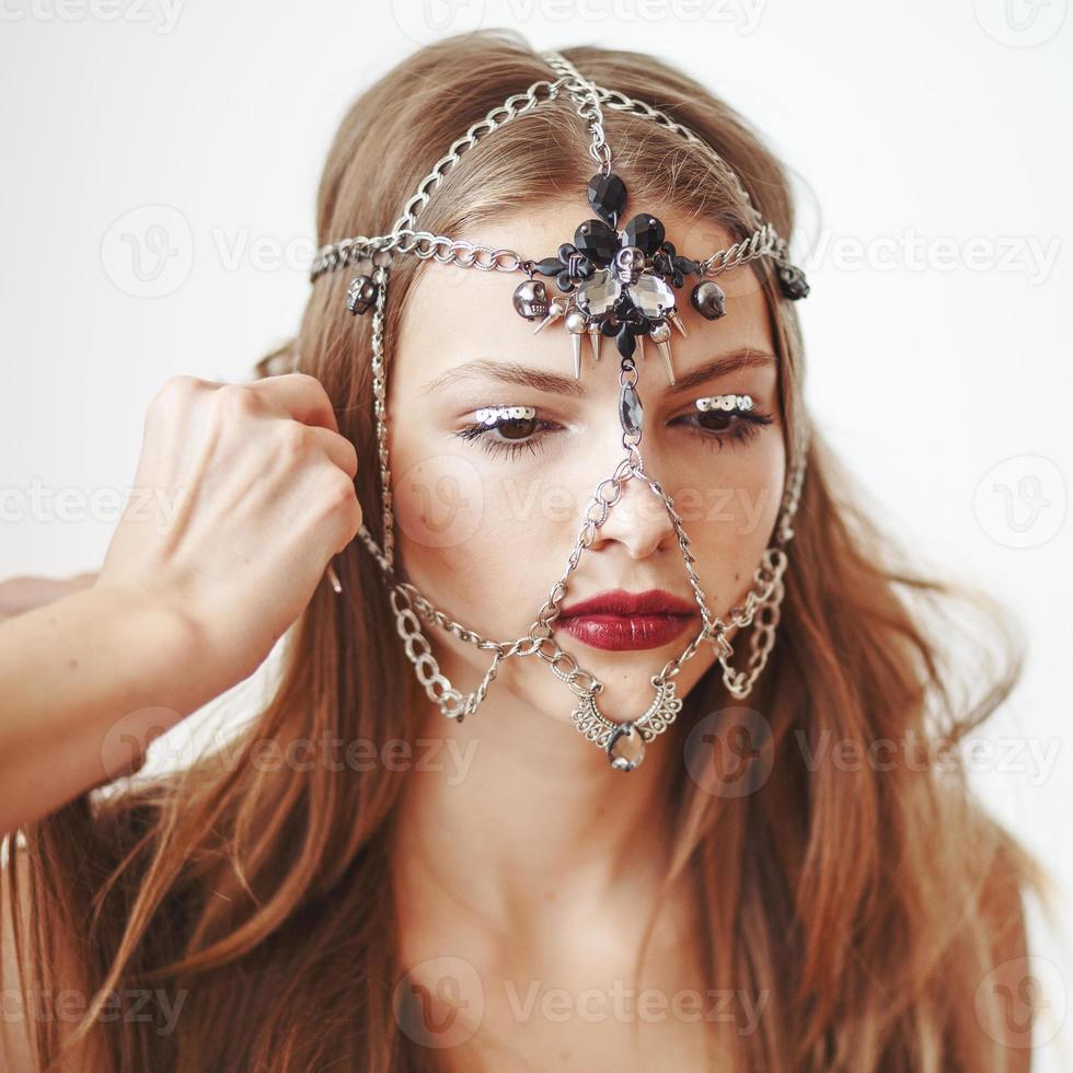 maquiador profissional, aplicar maquiagem. foto