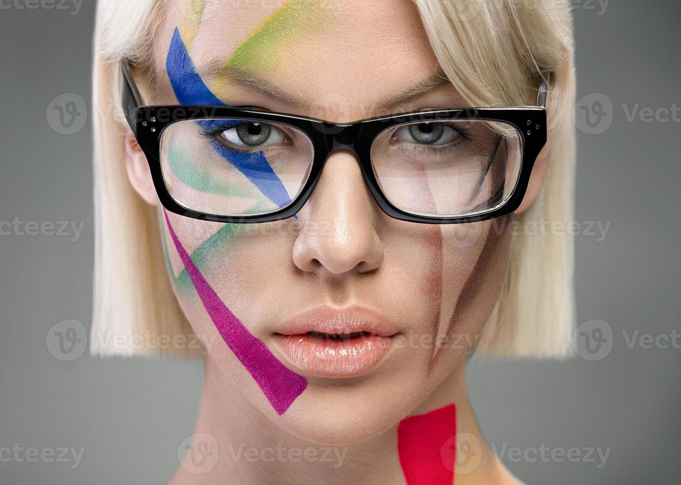 olhar de alta moda, retrato com óculos foto