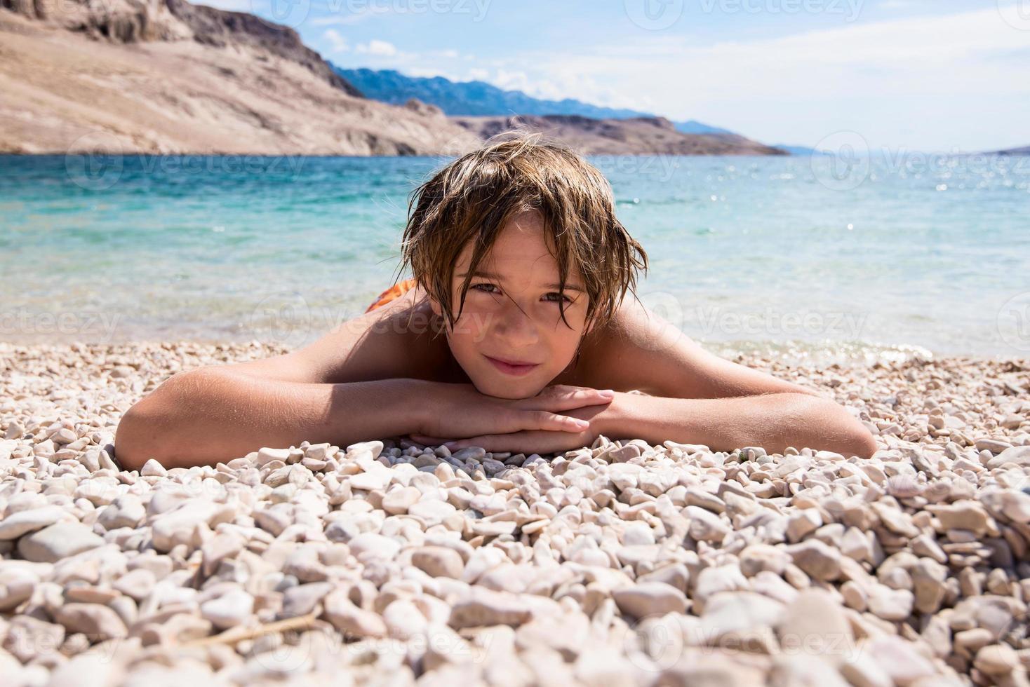 relaxe na praia de calhau foto