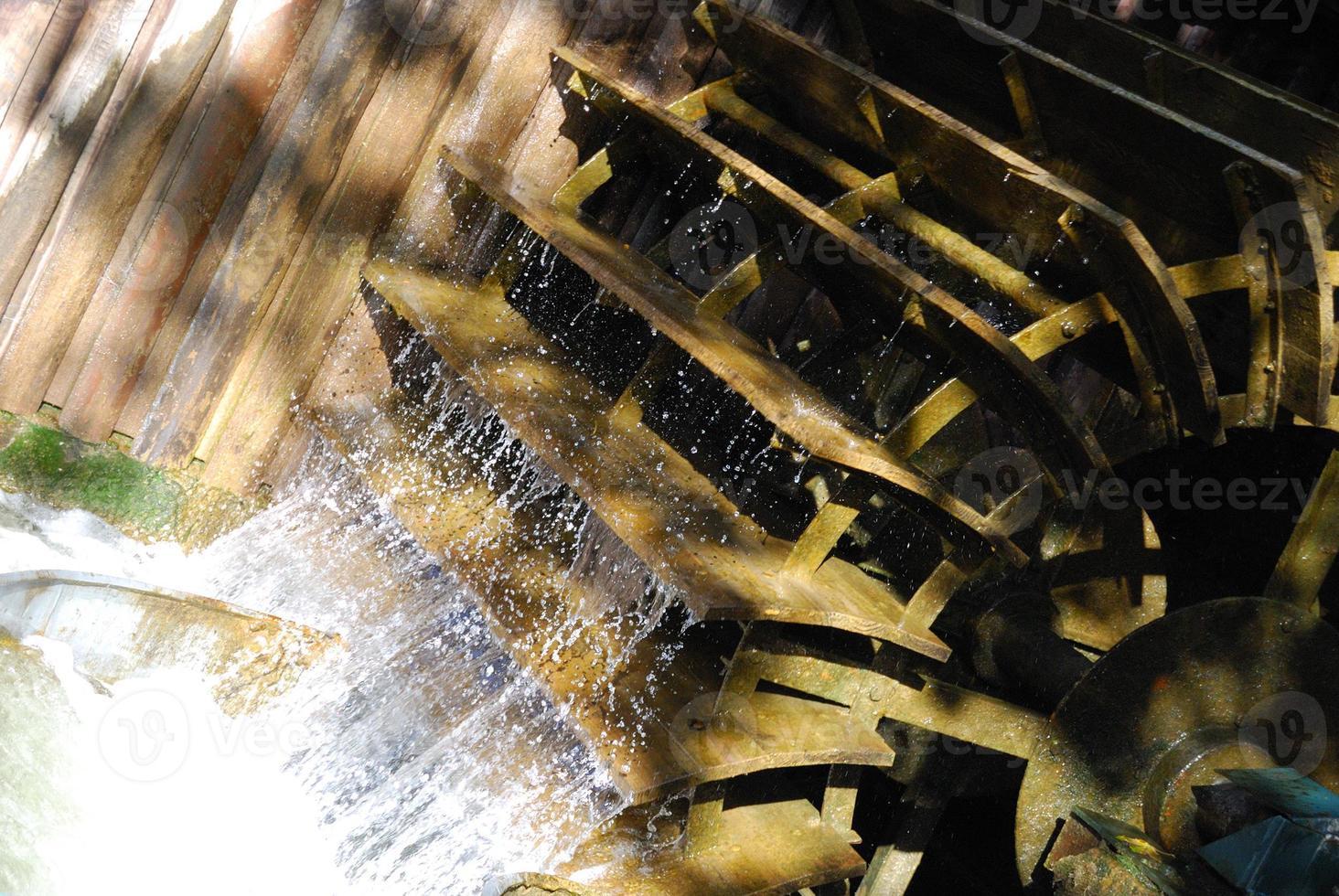 vista de close-up de moinho de água foto