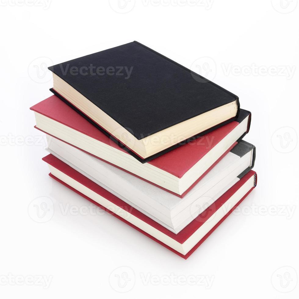 pilha de livros com caminho foto