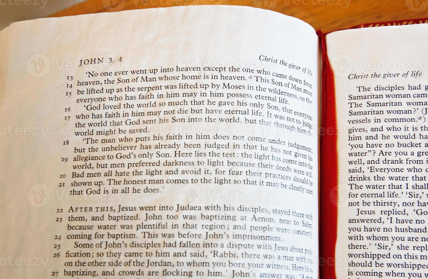 lição da bíblia foto