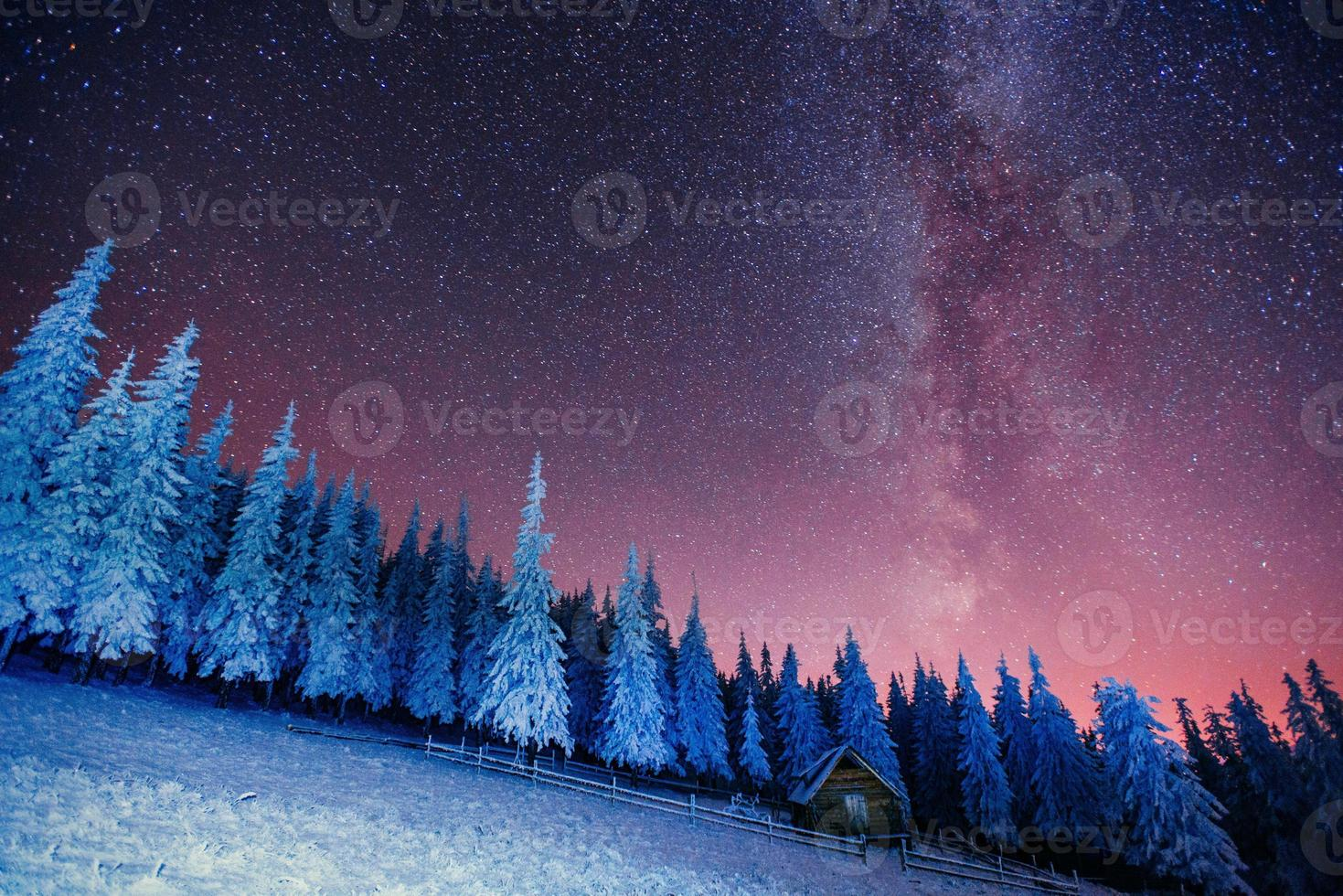 cabana nas montanhas. Ucrânia, Europa. foto