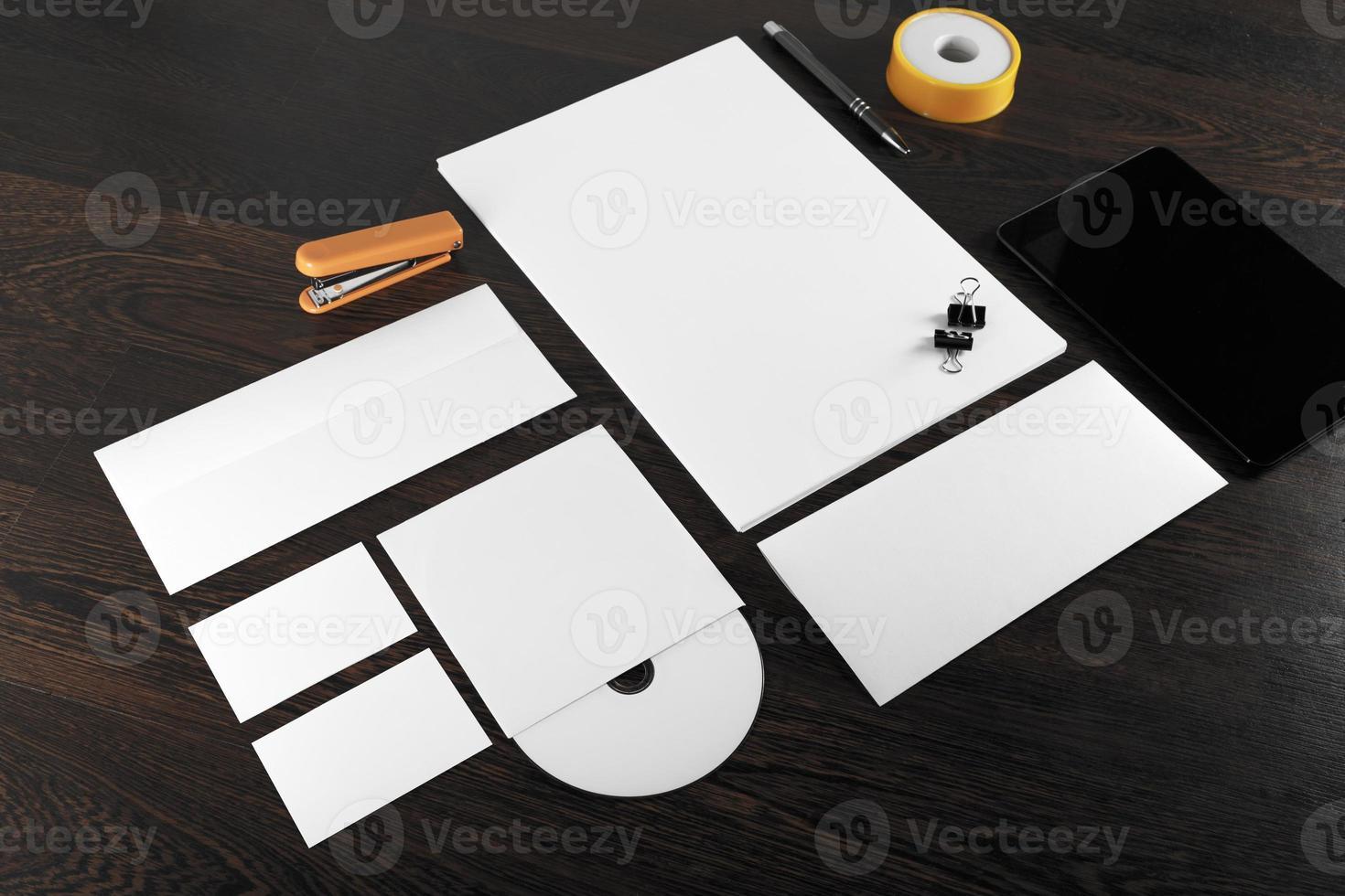 modelo de papelaria em branco foto