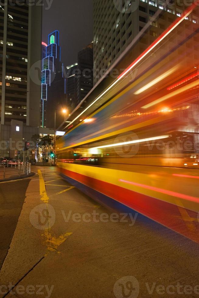 ônibus noturno foto
