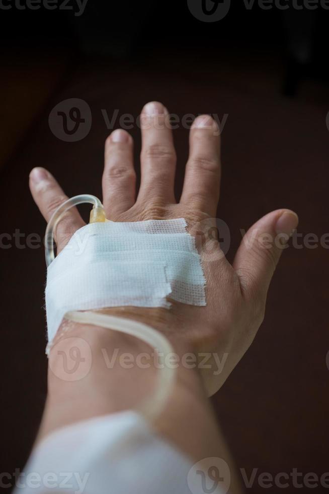 mão traseira do paciente foto