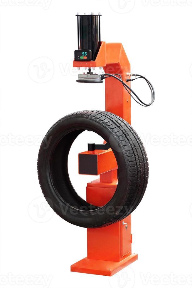 máquina de montagem de pneus foto