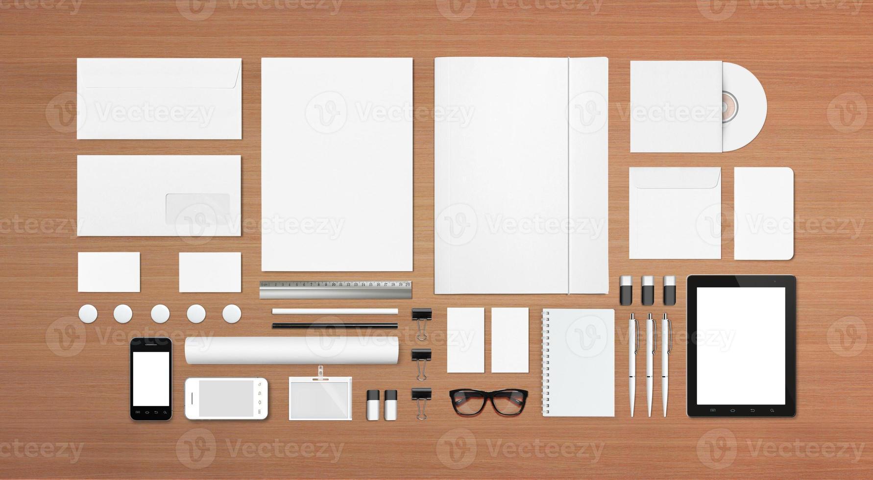 artigos de papelaria em branco / modelo de identificação corporativa foto