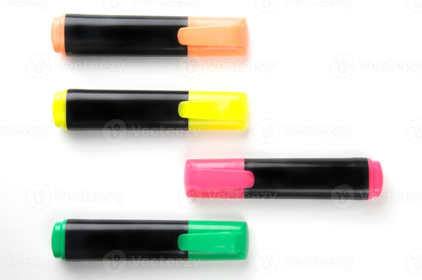 grupo de canetas marca-texto foto