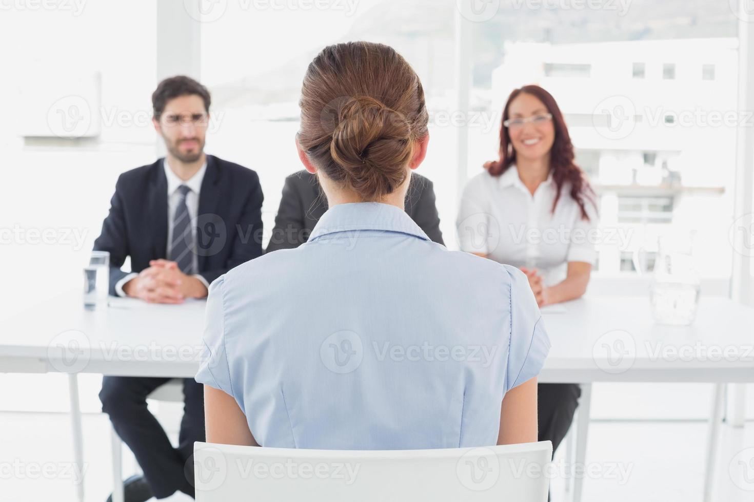 empresária em uma entrevista de trabalho foto