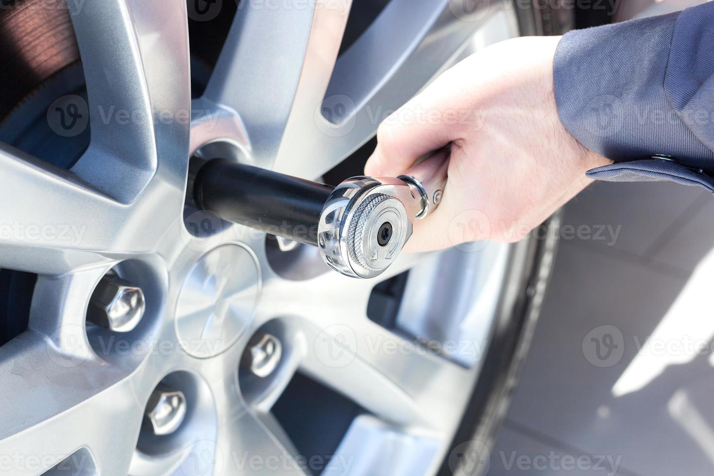 roda de mudança mecânica no carro foto