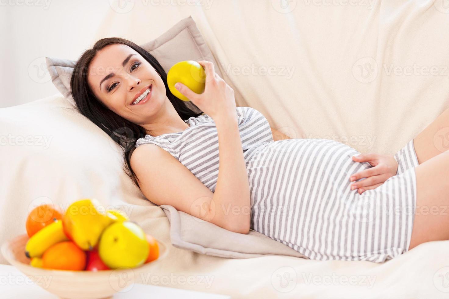 alimentação saudável para mim e meu bebê. foto