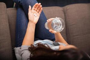 tomar aspirinas para dor de cabeça foto