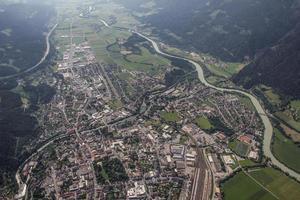vista aérea de carinthia spittal / drau vista aérea foto