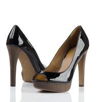 par de sapatos femininos foto