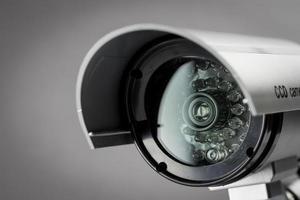 câmera de cctv de segurança no prédio de escritórios