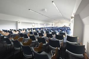interior da sala de aula moderna foto