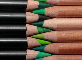 lápis verdes foto