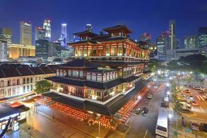 templo de relíquia de dente de Buda em chinatown, cingapura - foto