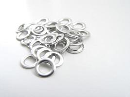 anéis de ilhós de metal foto