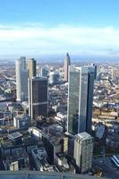 linha do horizonte de frankfurt skycrapter foto