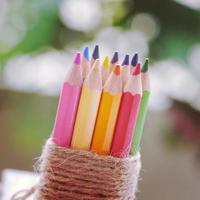 lápis de cor antigo estilo vintage retrô foto