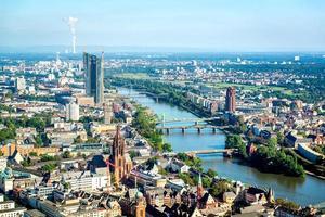 paisagem urbana de frankfurt am main foto