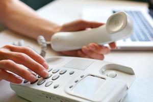 chamando por telefone