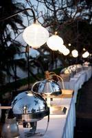 buffet de comida para eventos ao ar livre