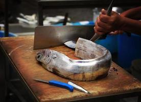 mercado de peixe da catânia (peixe lepidopus caudatus) foto