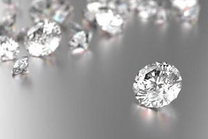 diamantes de luxo em fundo branco