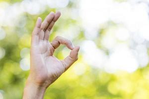 sinal de mão do homem foto