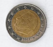 moeda de euro com parte traseira da bélgica usado olhar foto