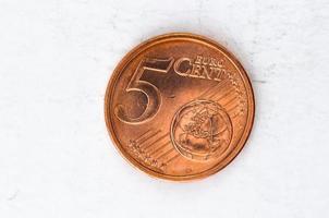 Moeda de 5 cêntimos de euro com aspecto frontal foto