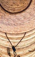 pilha de chapéus foto