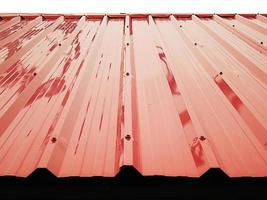reflexão de telhados de chapa metálica