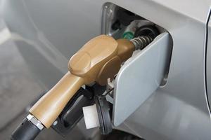 gasolina colorida de óleo combustível foto