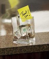jarra de ponta com nota de agradecimento foto
