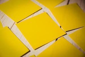 post amarelo foto