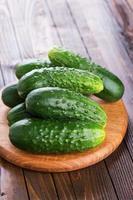 pepinos orgânicos frescos foto