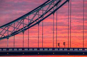 londres, nascer do sol na ponte da torre foto