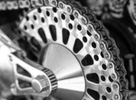 corrente traseira da motocicleta foto