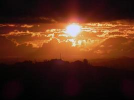 pôr do sol de inverno em são paulo foto