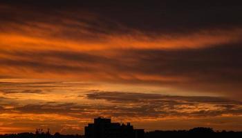 nascer do sol sorocaba brasil foto