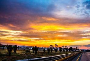 pôr do sol na rodovia méxico -queretaro foto