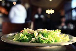 comida no restaurante, mesa, plano de fundo foto