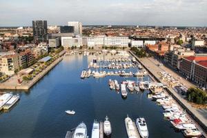 vista aérea para o porto de iates de Antuérpia foto